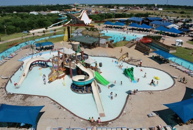 Castaway Cove Waterpark - Wichita Falls
