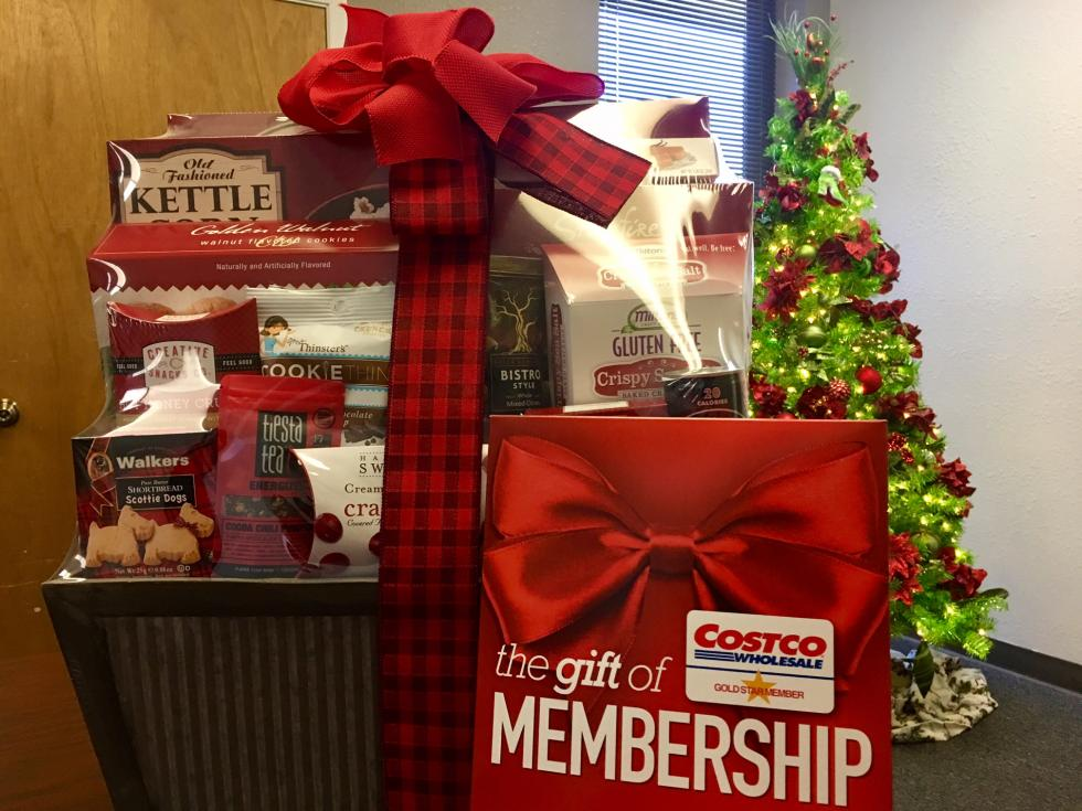 a one year costco membership christmas gift basket rocking stocking contest