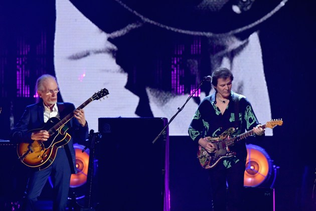 NEW YORK, NY - APRIL 07: 2017 Inductees Steve Howe and Travor Rabin of Yes perform onstage at the 32nd Annual Rock & Roll Hall Of Fame Induction Ceremony at Barclays Center on April 7, 2017 in New York City. The event will broadcast on HBO Saturday, April 29, 2017 at 8:00 pm ET/PT  (Photo by Mike Coppola/Getty Images)